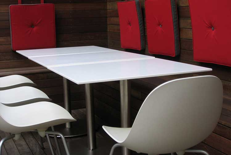 Café Glacier tables
